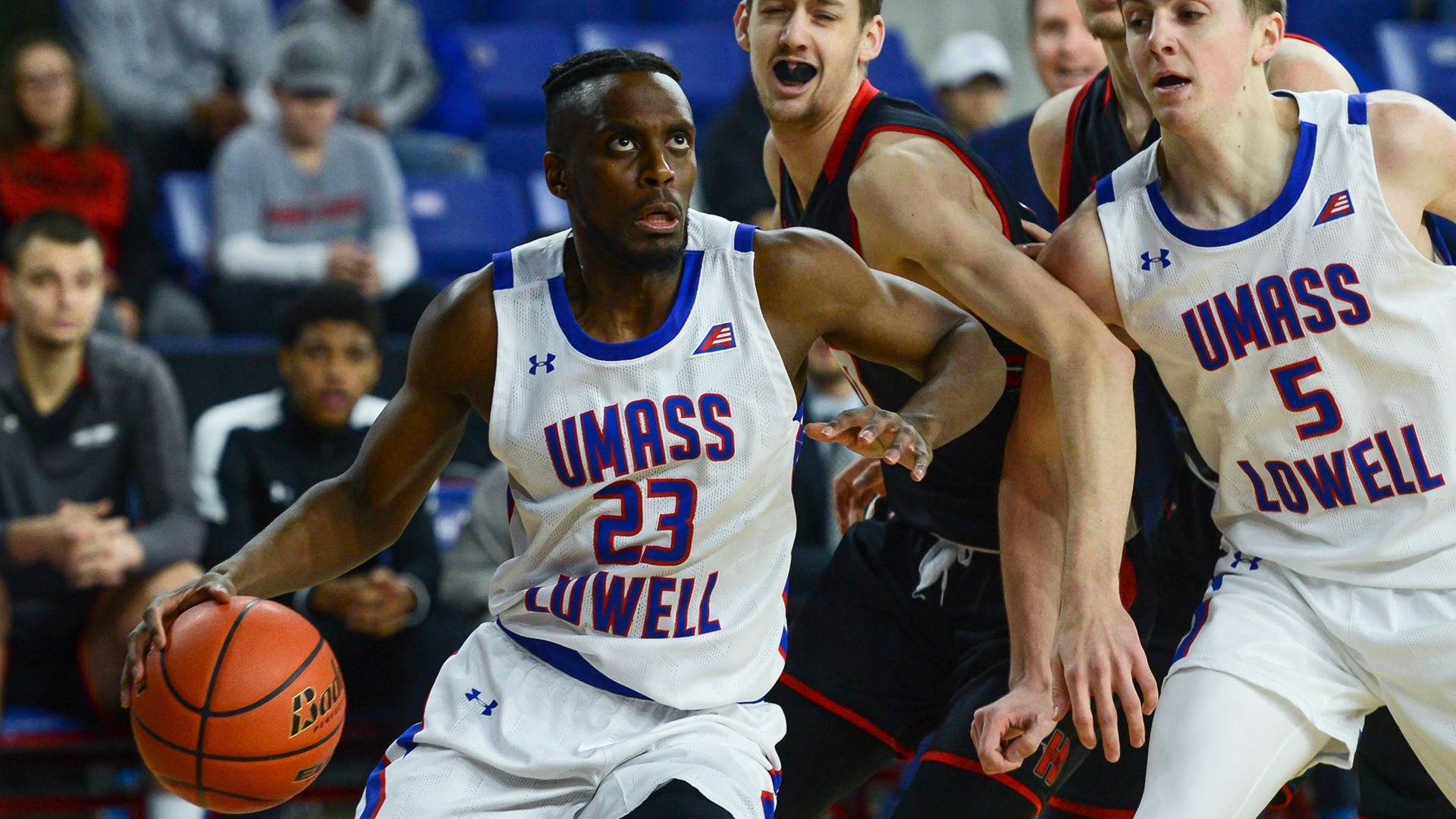 Hartford defeats UMass Lowell